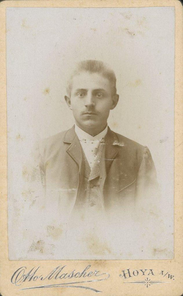 Otto Mascher - Hoya