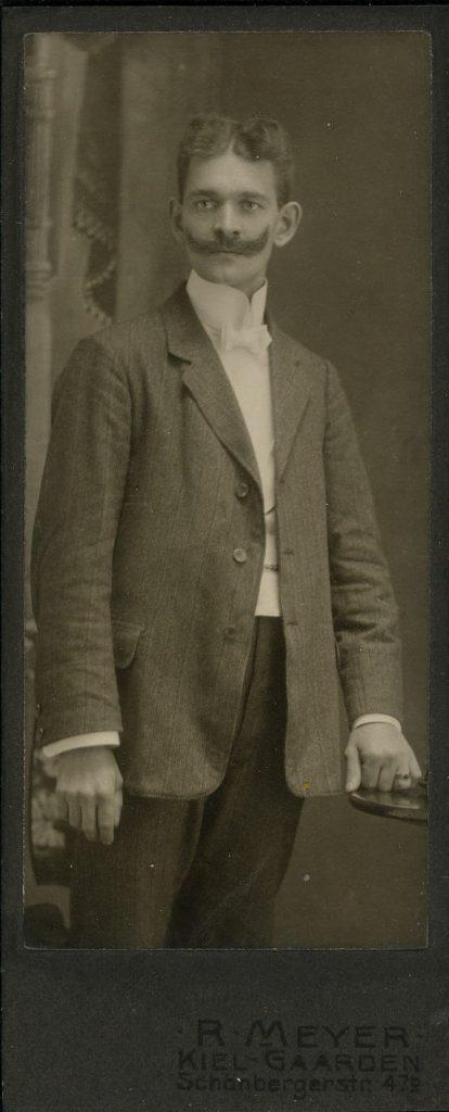 R. Meyer - Kiel-Gaarden