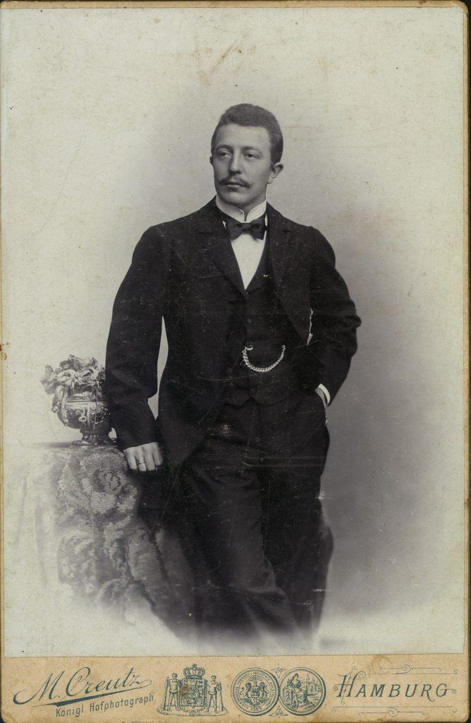 M. Creutz - Hamburg